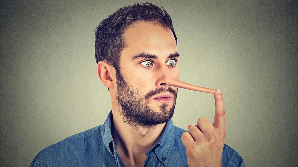 az orrán lévő pénisz nagysága