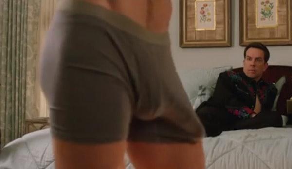 Chris Hemsworth hatalmas dudorral pózol   Celebvonal   nőihírek