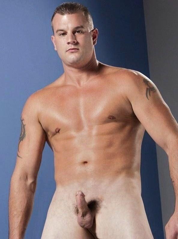 meztelen férfi péniszét