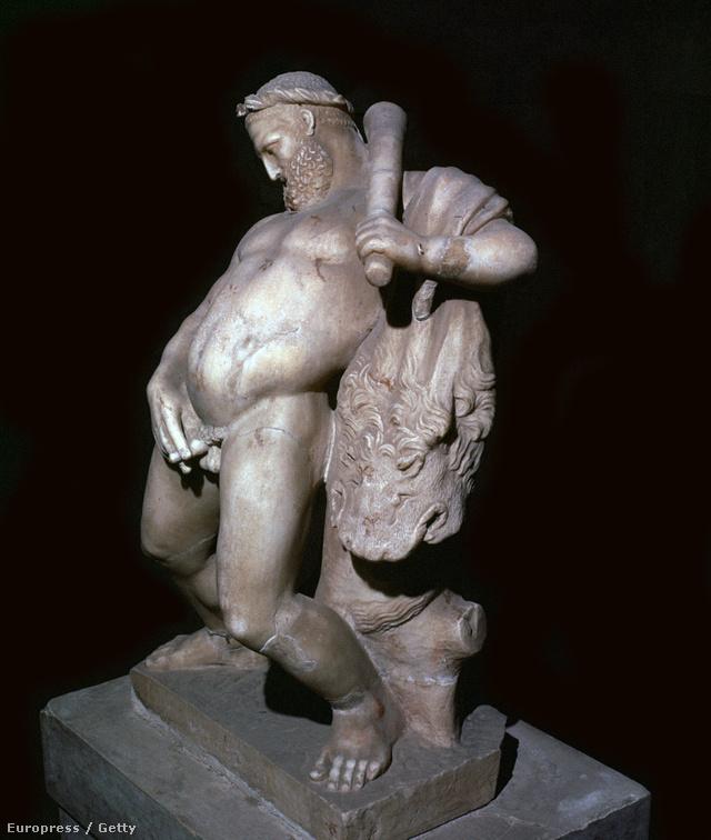 Az igazán férfias ókori férfi farka kicsi és petyhüdt